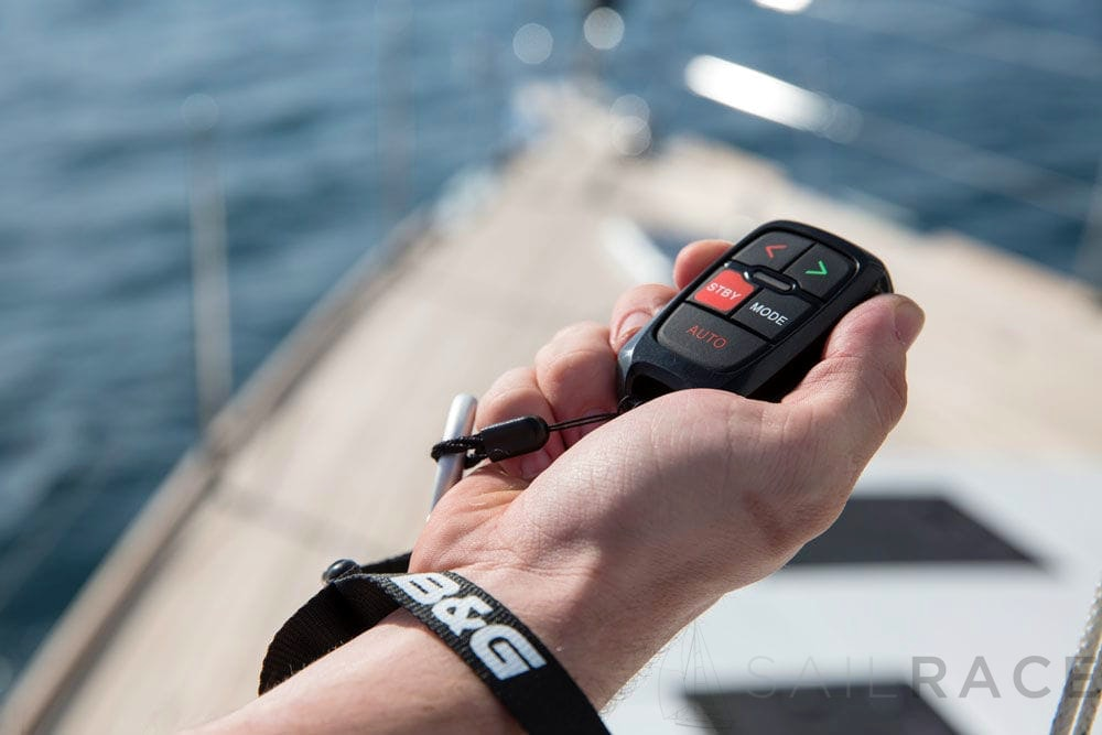 Navico WR10 Wireless Autopilot remote and Base station - image 2