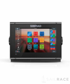 Simrad 7-inch chartplotter and radar display with TotalScan™ transducer and Navionics+ charts for Europe